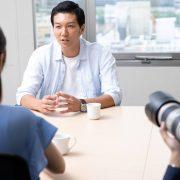 インタビューを成功させるコツとは?質問する方法や事前準備を解説!