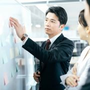 戦略人事とは?必要性や導入方法やポイントを実例付きで解説