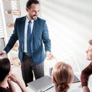 チーム運営を成功させるコツとは?必要なスキルや研修事例も紹介!