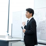 セミナー開催の意味とは?勉強会との違いや開催の4ステップを解説!