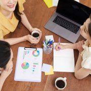 セールスとマーケティングの違いとは?役割やスマーケティングも解説