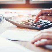 間接費を削減してコストをスリム化!直接費との違いや方法などを紹介