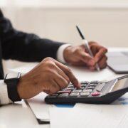 給与計算代行の費用相場や料金体系、メリット・デメリット等を解説!